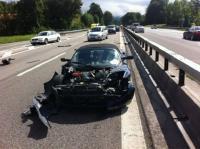 Tesla Roadster попал в аварию на немецком автобане