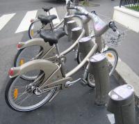 Velolib - автоматическая сеть проката велосипедов.
