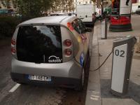 Autolib - автоматическая сеть проката электромобилей